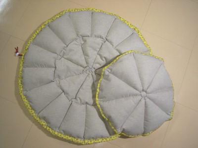R0068148-400x300-白いお花プリント×ベージュ綿麻 リバーシブルかぼちゃstyleベッド