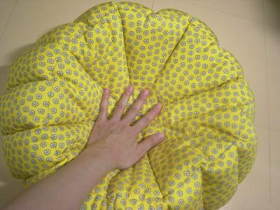 R0068160-400x300-白いお花プリント×ベージュ綿麻 リバーシブルかぼちゃstyleベッド