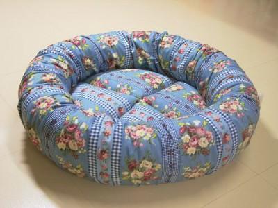 R0068422-400x300-手作り丸い猫ベッド・ブルーグレイ綿ブーケ&チェック柄