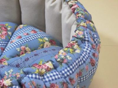 R0068446-400x300-手作りかぼちゃstyle猫ベッド・ブルーグレイ綿ブーケ&チェック柄