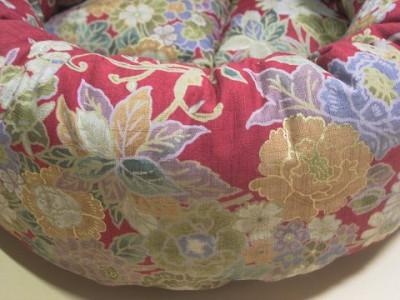 R0068489-400x300-手作り丸い猫ベッド・綿・和の花柄