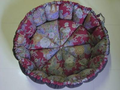 R0068646-400x300-和柄の華やかかつシックなかぼちゃ猫ベッド~