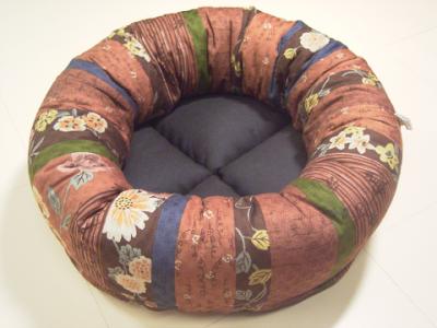 resize1019-400x300-手作り丸い猫ベッド・和柄綿&こげ茶リネン