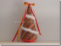 R0026313_thumb-本日の作業台。まるまるがクリスマスモードに変身中