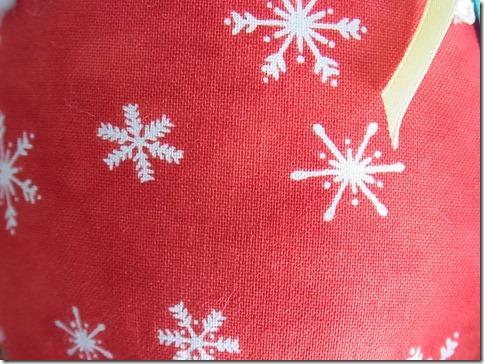 R0026338_thumb-本日の作業台。まるまるがクリスマスモードに変身中
