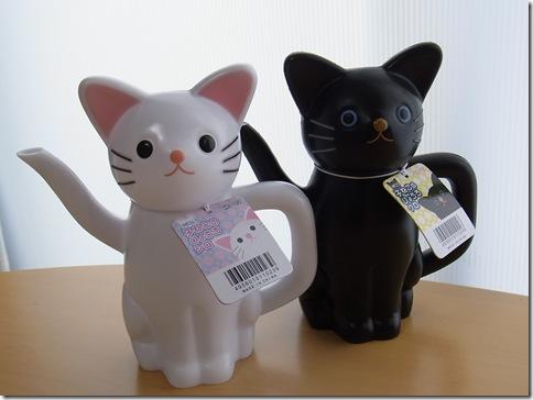 R0106419_thumb-アウトレット★白猫黒猫じょうろ