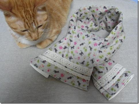 R0107271_thumb-猫柄ヒエヒエガーゼマフラーがいっぱいできたよ。