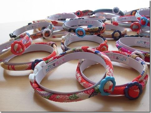 R01100163_thumb-首輪がいっぱい。